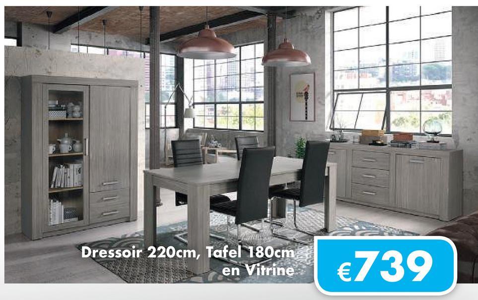 LLL Dressoir 220cm, Tafel 180cm en Vitrine en Vitrine €739