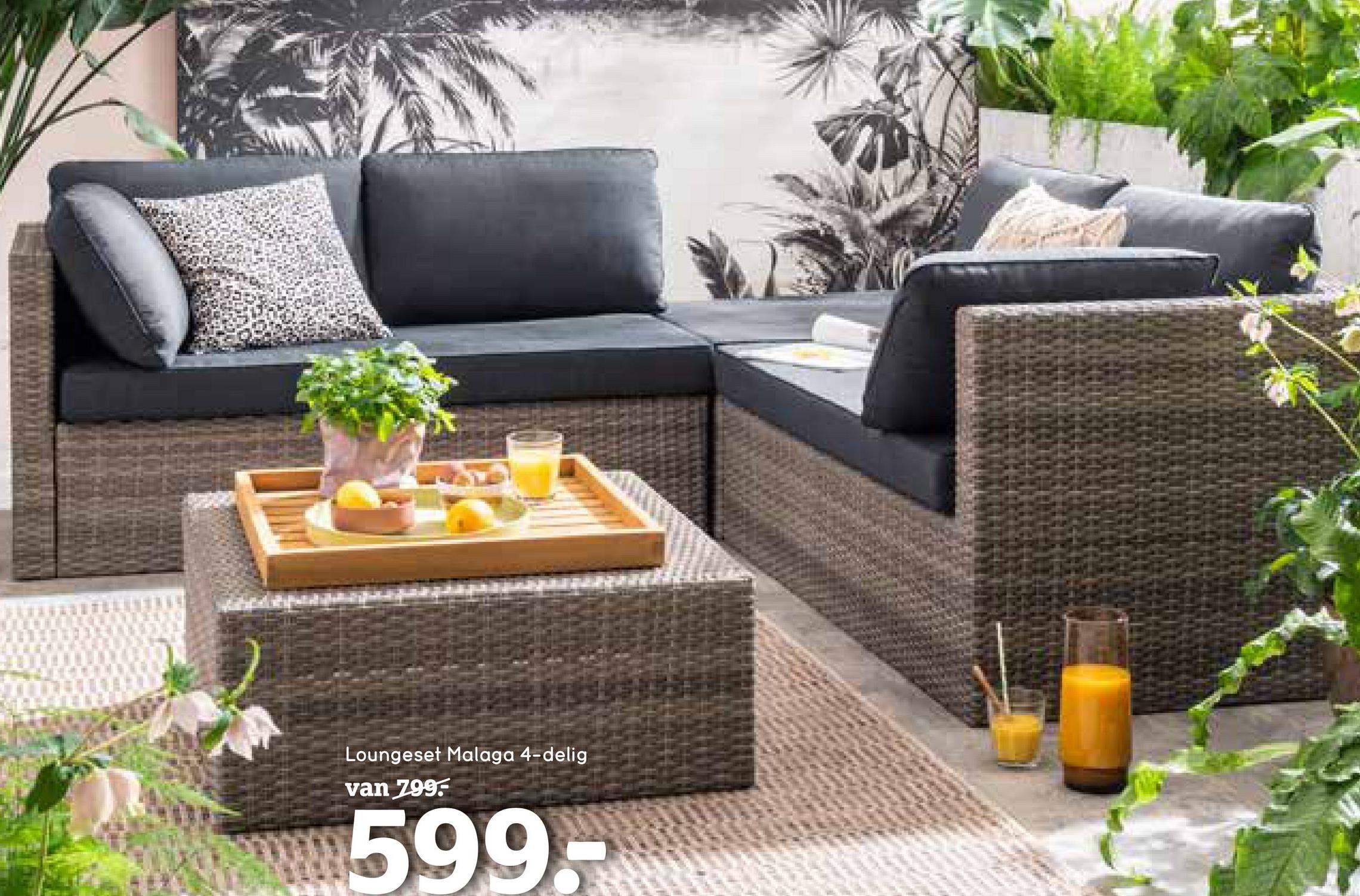 Loungeset Malaga - grijs - 4-delig - Leen Bakker Dit is een 4-delige loungeset bestaande uit een tafel/voetenbankje, twee 2-zits hoekelementen en een losse hocker. Deze complete set is gemaakt van metaal met wicker en wordt geleverd inclusief zachte kussens.