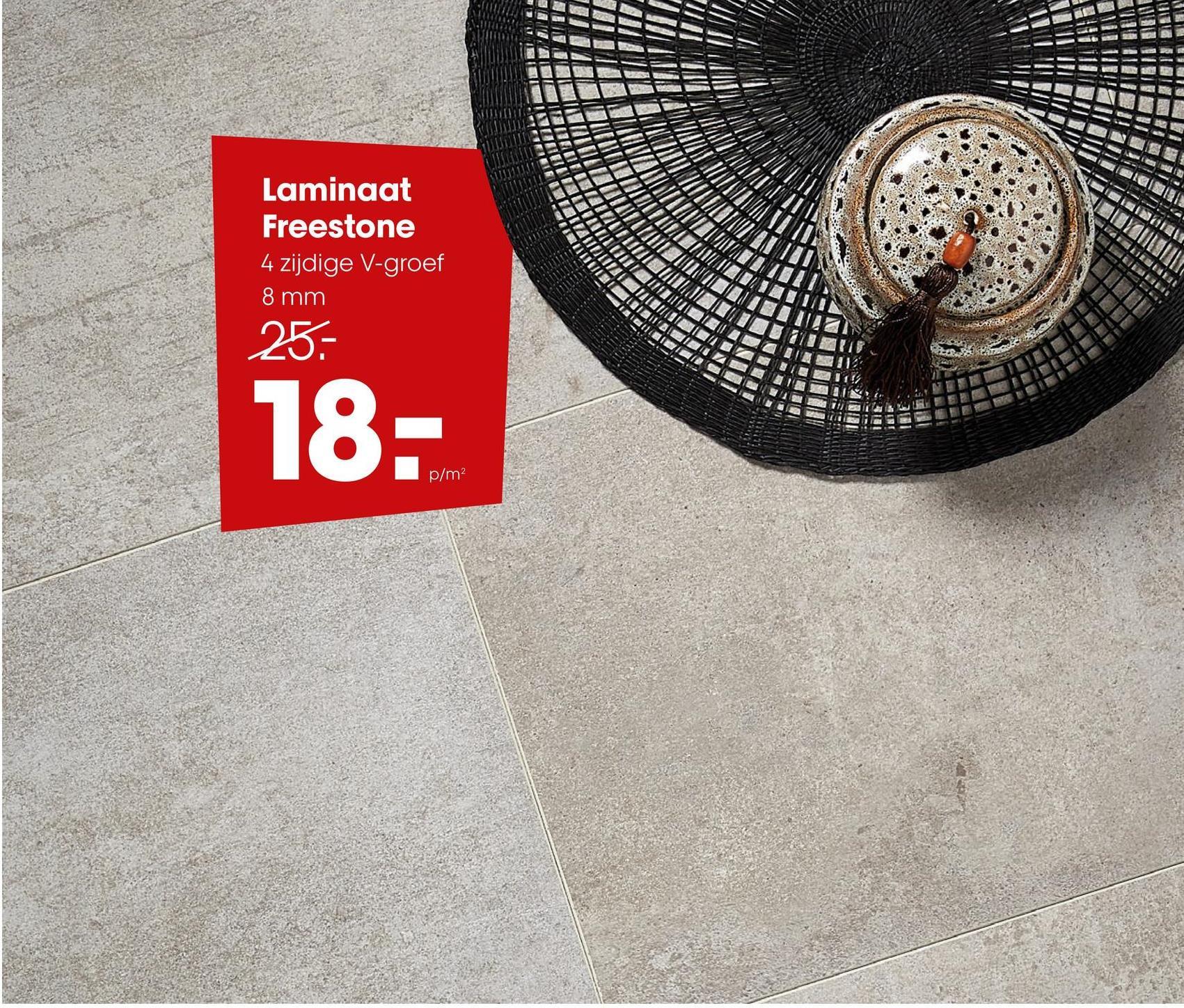 Laminaat Freestone Beige Laminaat beige met steenlook en 4-zijdige V-groef. Geschikt voor intensief woongebruik en normaal commercieel gebruik. Voorzien van het PEFC keurmerk. 8 mm dik.
