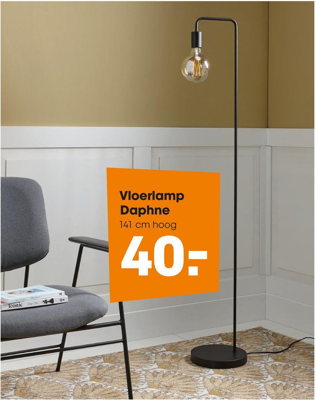 Vloerlamp Daphne Moderne vloerklamp van metaal. Kleur: goud. 140 cm hoog. Energieklasse A++. E27 fitting.