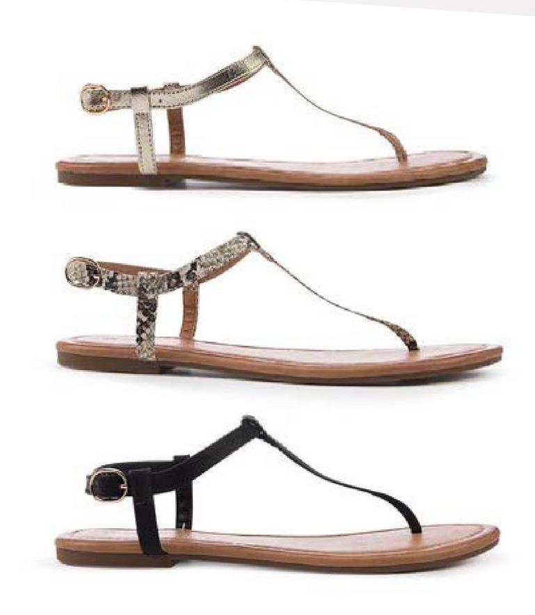 Sandaal Trend One Young - Zwart - maat 40 - Dames   - Goedkope Sandalen zonder hak - Imitatieleer - Sandaal Trendy, zomers en comfortabel! Deze teensandaal van Trend One Young is perfect! Een verfijnd design met een bandje tussen de tenen.