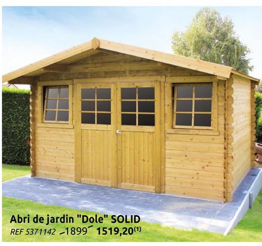 Abri de jardin Solid Dole imprégné bois 11,56m² 388x298cm La cabane de jardin traditionnelle Dole de Solid est un abri de jardin fabriqué à partir de bois d'épicéa certifié et imprégné provenant d'Europe du Nord. Sa double porte très pratique facilite l'accès et vous permet d'y entrer tout votre matériel de jardin. La maisonnette possède des profilés de 28 mm, un toit à pignon (à deux versants) avec roofing. L'abri comprend également une double porte d'entrée basse équipée de verre trempé et d'une poignée de porte avec serrure sécurité enfants. De plus, la cabane dispose de deux fenêtres oscillantes avec verre trempé et un kit de ventilation. L'épaisseur renforcée des murs assure une isolation optimale. Ce chalet de taille moyenne très lumineux est donc idéal pour protéger vos vélos, votre brouette, votre tondeuse et vos chaises de jardin tout au long de l'année.