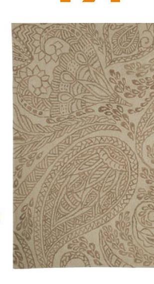 Vloerkleed Perla Beige Handgetuft vloerkleed met beige Paisley dessin. 70% wol, 30% katoen. 133x190 cm (lxb). Voorzien van het Care & Fair label.