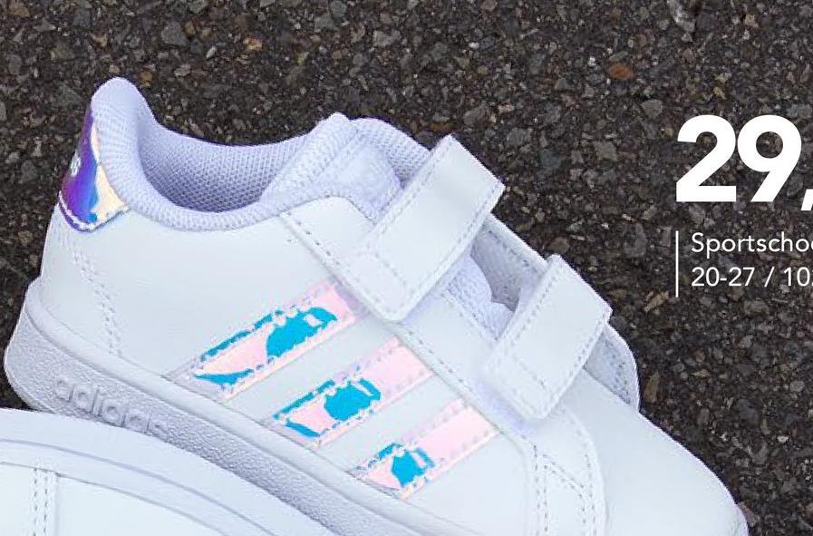 Sneakers Grand Court Adidas - Wit - maat 20 - Meisjes   - Goedkope Sportschoenen - Synthetisch Maak je outfit compleet met deze trendy witte Grand Court sneakers met shiny strepen voor meisjes van het topmerk Adidas. Dankzij de klittenbandsluitingen trek je deze sneakers makkelijk aan en uit.