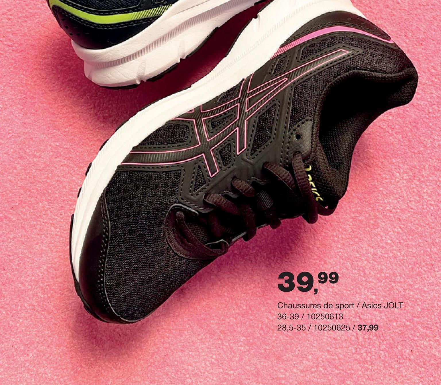 Chaussure de course Jolt 3 GS Asics - Noir Chaussure de course qualitative et confortable à lacets de la marque Asics pour filles. Avec semelle côtelée pour une adhérence optimale.