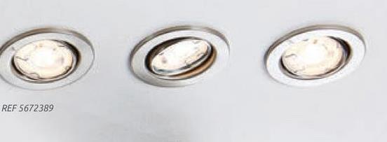 Briloner verstelbare inbouwspot nikkel 5W – 3 stuks Deze set van Briloner bestaat uit 3 verstelbare inbouwspots met elk een vermogen van 5 Watt. De spot is richtbaar waardoor u meer flexibiliteit heeft bij het verlichten. De spot beschikt over een vochtbestendigheid van IP23 die hem beschermt tegen waterdruppels.